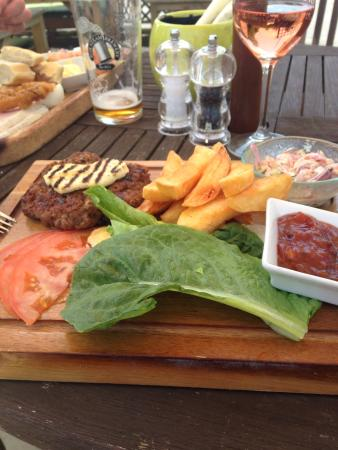 The Tollgate Inn: Gluten free burger