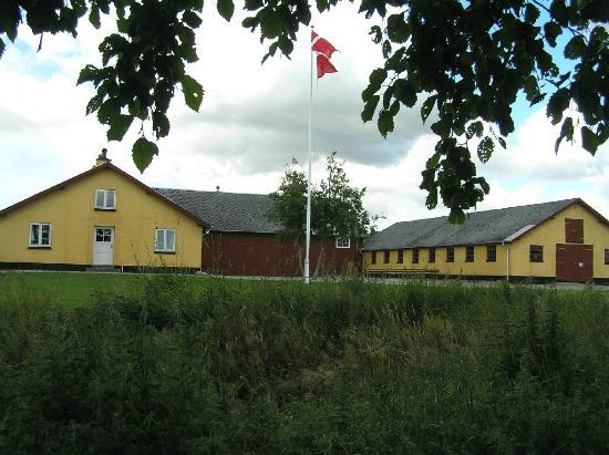 Aabybro, Denemarken: Gården set fra syd med stuehuset til venstre