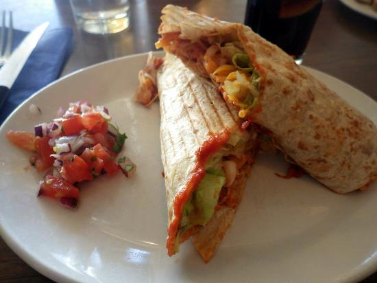 Lennons@VISUAL: Spicey chicken wrap