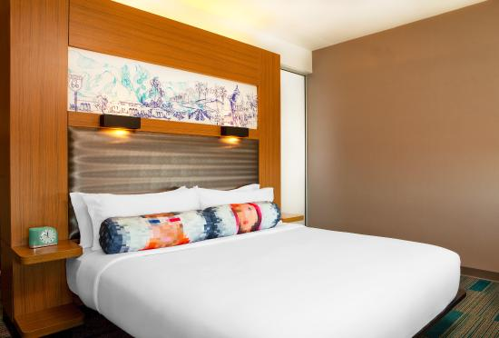 Aloft Ontario Rancho Cucamonga King Bed