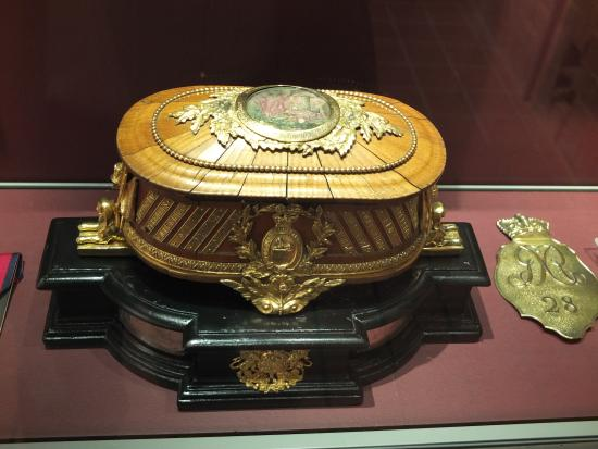 Soldiers of Gloucestershire Museum: The casket on which the Waterloo colours of the 28th Regt are mounted was made from its wood