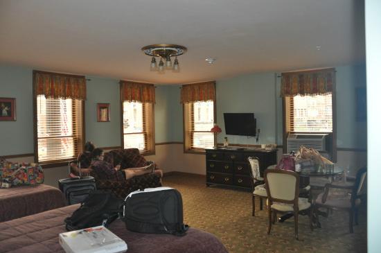 Hotel Millersburg: Room