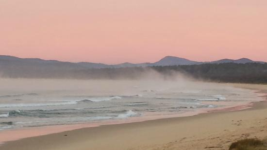 Coast Resort Merimbula: Sea Mist rising on Main Beach