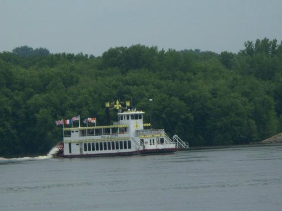Dubuque River Rides : The Spirit of Dubuque River Boat