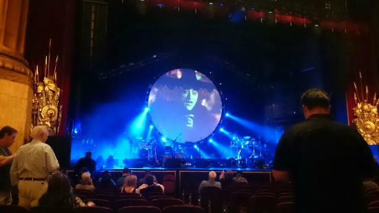 Beacon Theatre: Brit Floyd