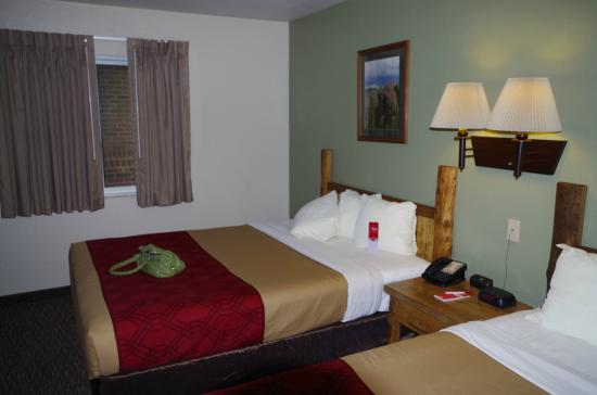 Econo Lodge Custer: Soft comfortable beds!