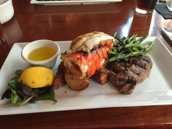 219 An American Bistro: Surf and turf. Looked better than it tasted