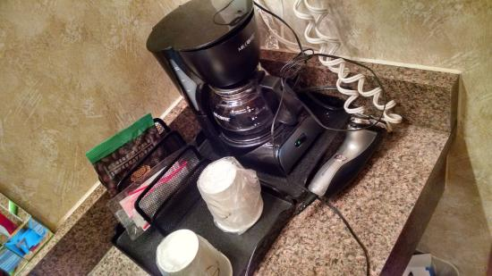 The Soluna Hotel: Coffee maker in the bathroom which was weird and seemed unsanitary to me
