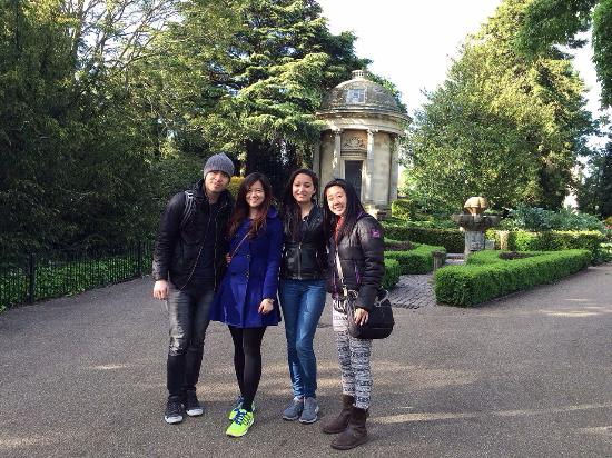 Jephson Gardens: We had a great walk there in the gardens and we enjoyed taking pictures with weird furnitures in