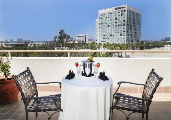 Renaissance Newport Beach Hotel Dine On The Executive Suite Balcony