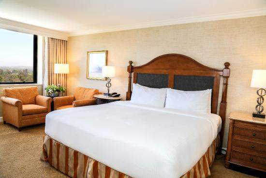 Executive Suite Bedroom Picture Of Renaissance Newport Beach Hotel
