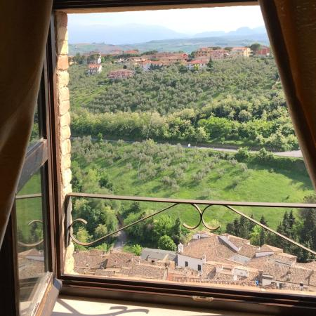 Castello Chiola Hotel: Countryside from room