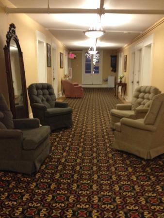 Thayers Inn: hallway