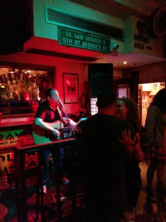 Peadar Kearney's: live irish music