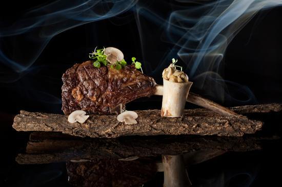 Grill Room at Jumeirah Himalayas Hotel Shanghai