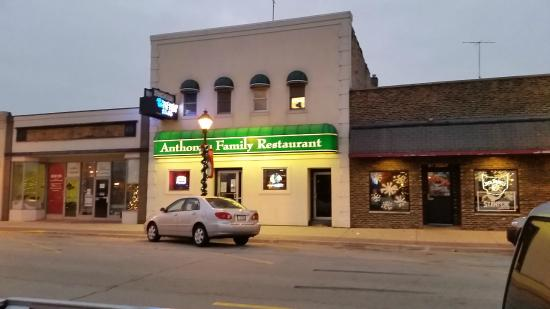 Manteno, IL: Anthony's Family Restaurant and Pizzeria