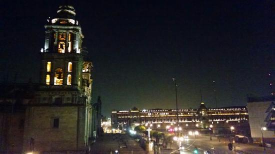 Zócalo Central: Vista de La Catedral y del Zócalo