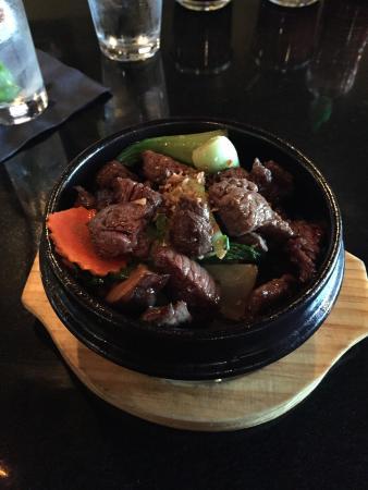 Saigon Kitchen: The terrific beef clay pot