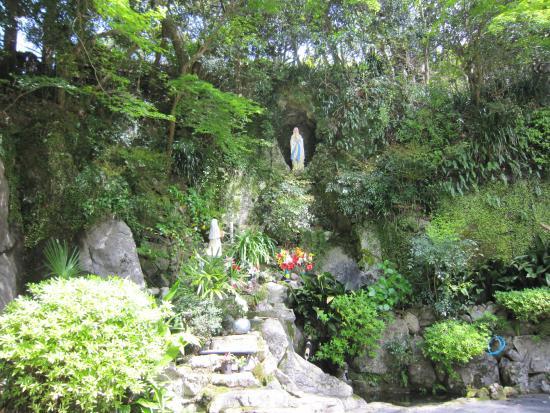 Hongouchi Lourdes