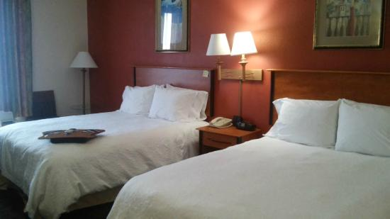 Hampton Inn Houston Pearland: Two queen beds