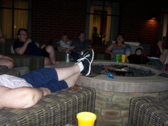 Homewood Suites by Hilton Joplin: More evening fun on the patio.