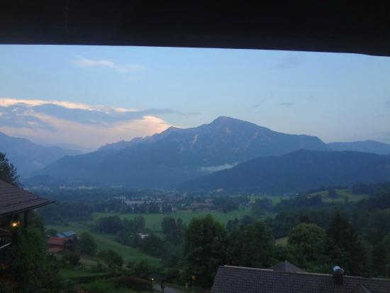 Hotel Restaurant Cafe Neu-Meran: View towards the South from the balcony of my room. Wow...