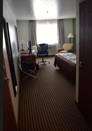 Sleep Inn & Suites: Spacious clean room