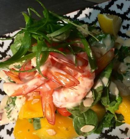 S-Que Restaurant: King prawn and Mango salad/chilli lime mayonnaise/toasted almonds