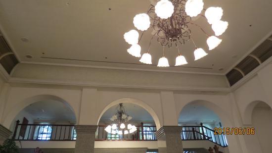 Hyogoken Kokan: 1階ホールの照明景観