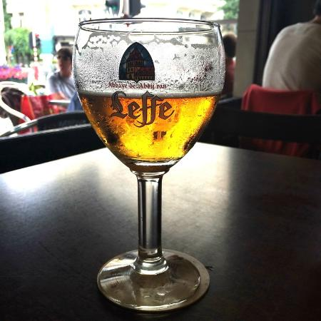 Cafe Au Laboureur: сытное пиво