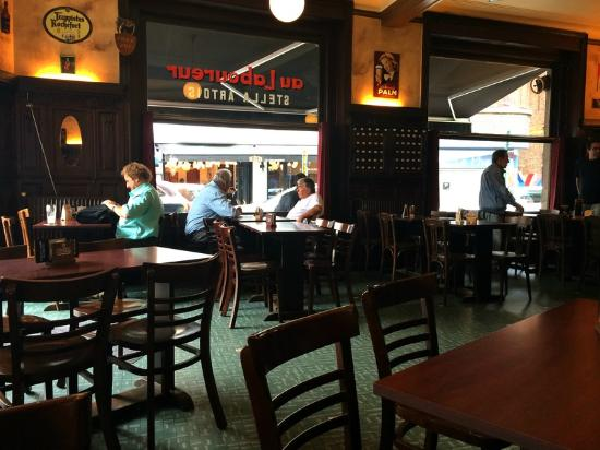 Cafe Au Laboureur: местный клуб