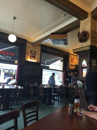 Cafe Au Laboureur: интерьер