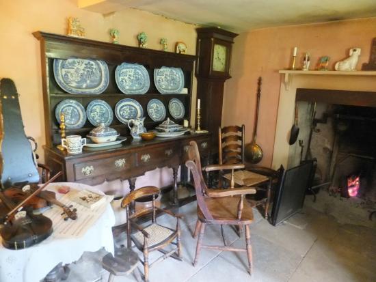 Hardy's Cottage: Inside cottage