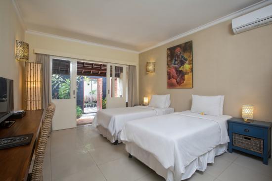 Scallywags Resort: Private Garden Bathroom