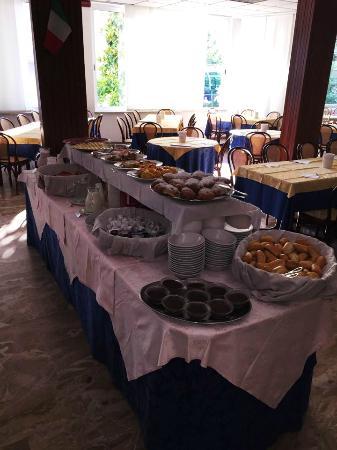Hotel Arno: Buffet Mattutino