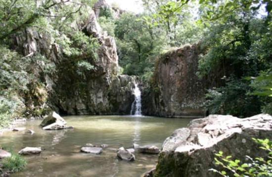 Deux-Sevres, Frankrike: La cascade des Pommiers