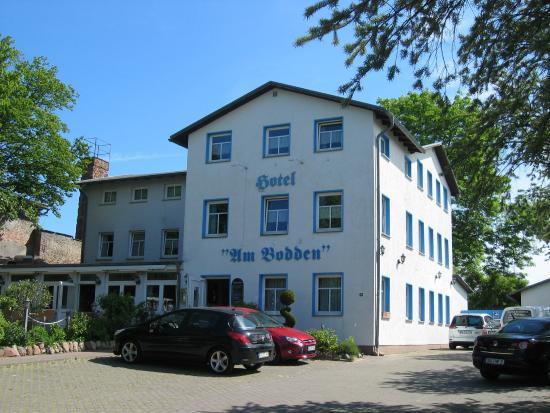 Hotel & Restaurant Am Bodden: Hotelansicht