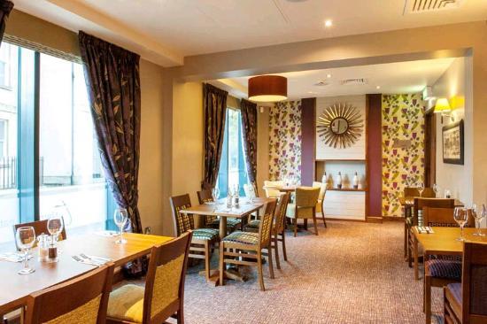 Premier Inn Bath City Centre Hotel: Dining Area