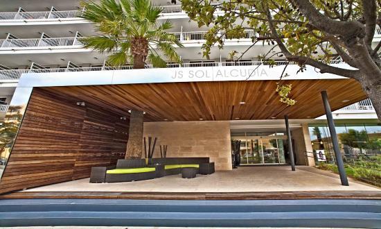 Hotel JS Sol de Alcudia: Entrance