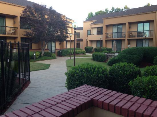 Courtyard Augusta Foto