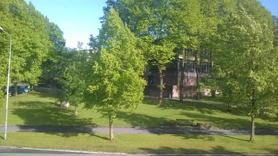 Mitt Hotell: View across the park