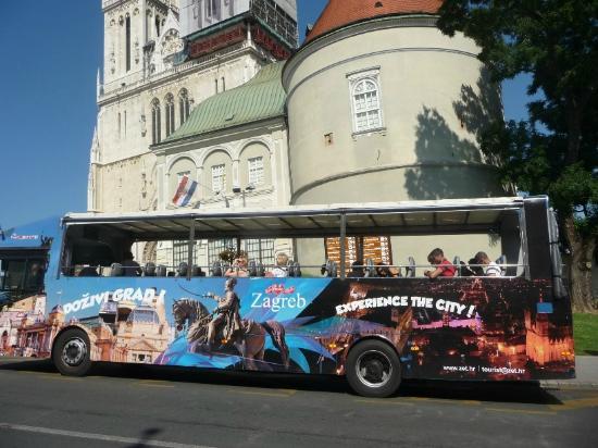 Panorama Bus der Zagreber Verkehrsbetriebe
