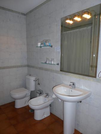 Hotel Los Olivos: Badkamer