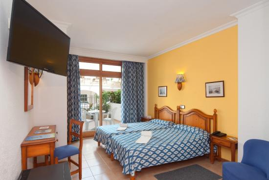 Hotel JS Yate: Room