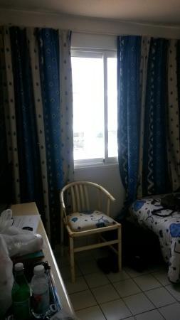 Golfe Hotel : Près des baies vitrées