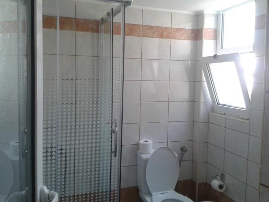 Hotel Mirabello: Bathroom