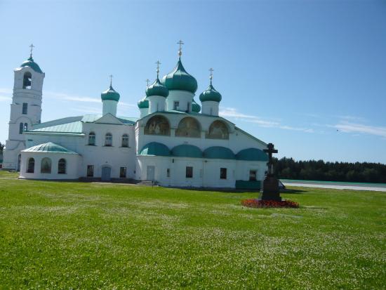 Staraya Sloboda, Russland: Территория нового монастыря