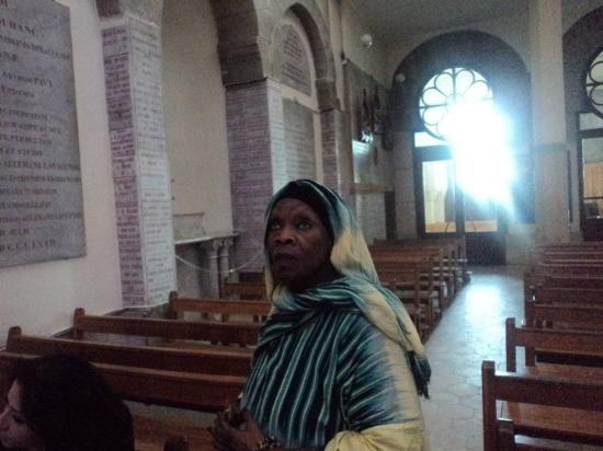 الجزائر العاصمة, الجزائر: Comme toutes les maisons de Dieu elle est gardée par des anges