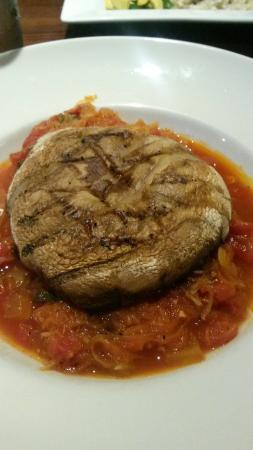 Caroline's Restaurant: Mushroom with spaghetti squash.  No oil no cheese.