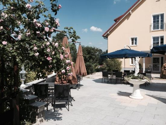 Hotel Am See: Hotel terrace
